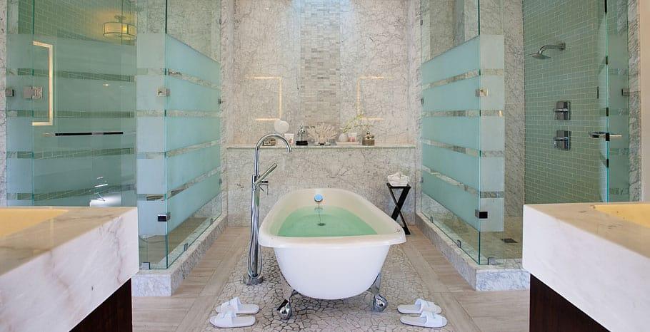 Italian Skypool suite  bathroom SLS