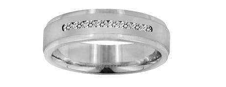 White precious metal-diamond channel set