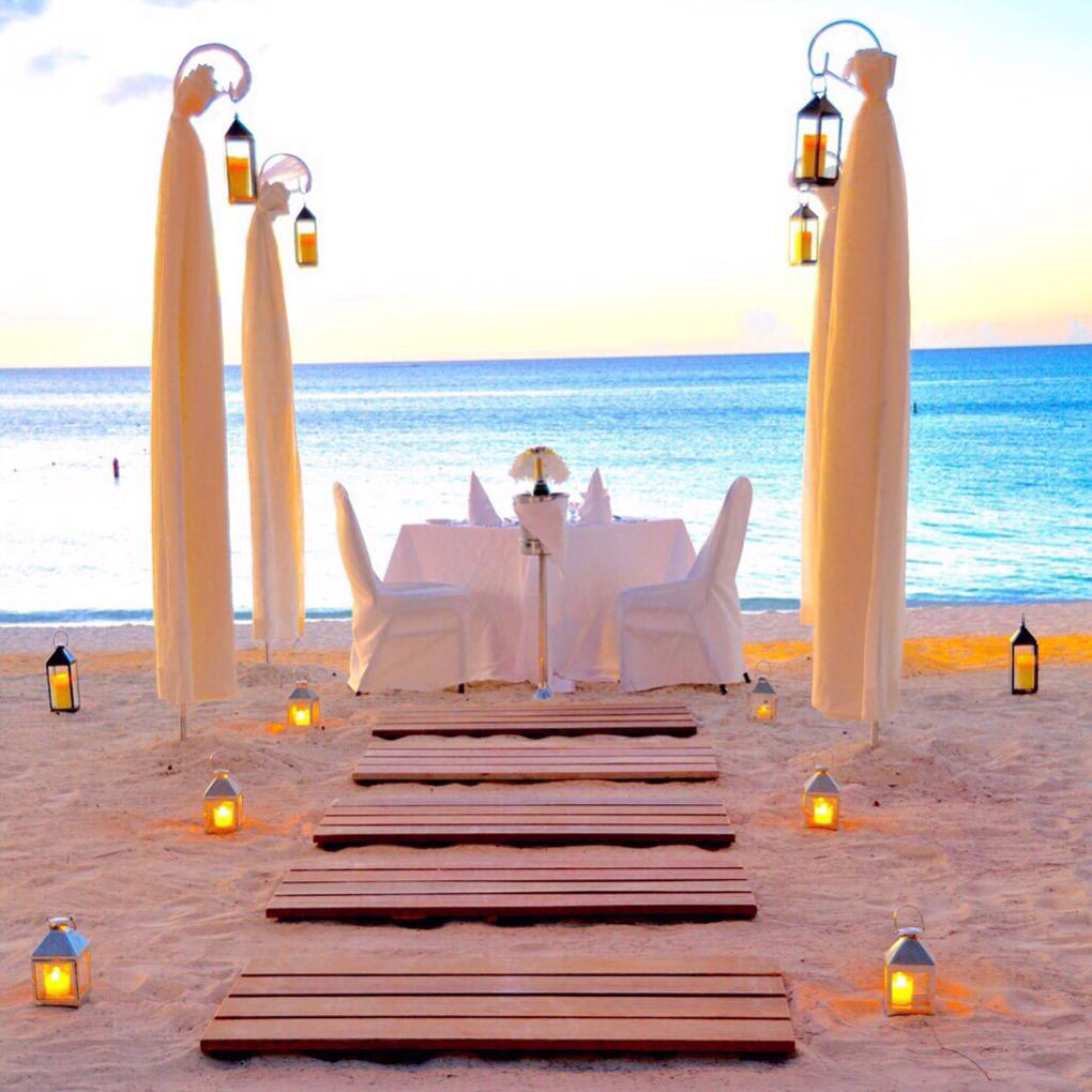 beaches candlelight dinner