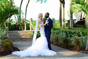 Sandals wedding blog the very best in destination wedding inspriation beaches real wedding lauren justins stylish wedding beaches turks caicos junglespirit Image collections