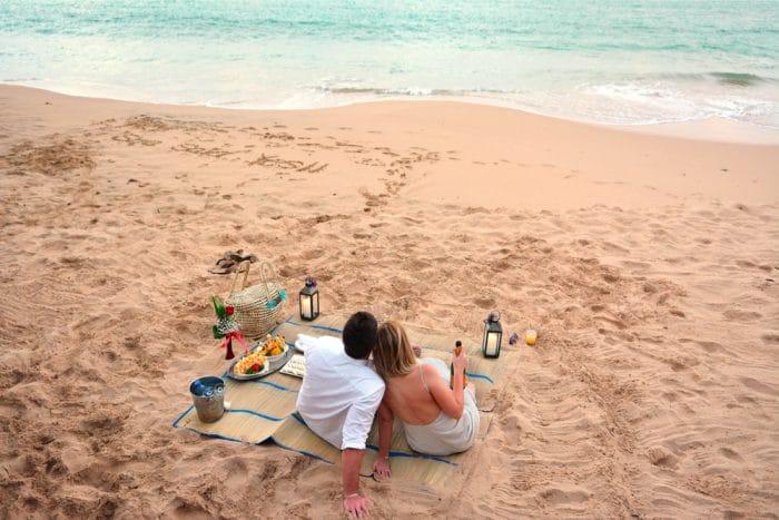 Marriage-Proposals-at-Sandals-Resorts_1-copy-1-1-700x467
