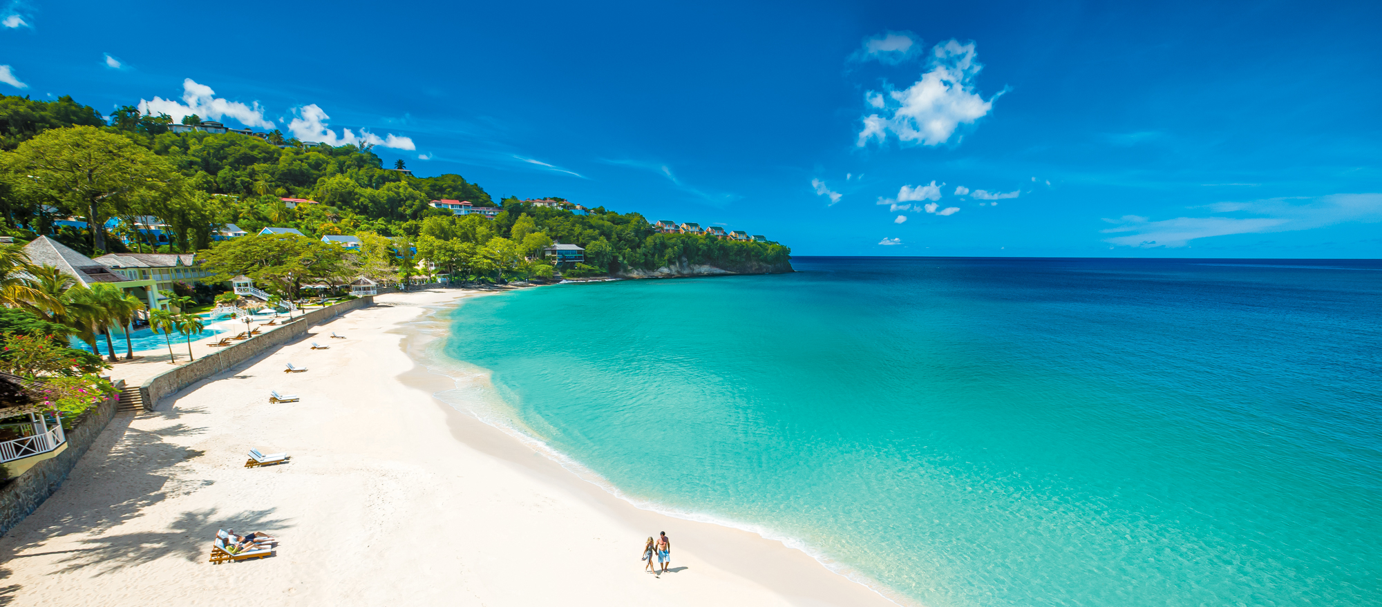 White sand beach and turquoise Caribbean waters